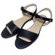 Sandalias de cuero negro con suela de goma beige