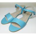 Sandalias de cuero celeste