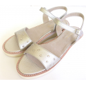 Sandalias de sintético platino con tachas