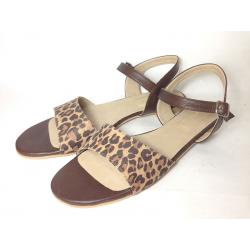 Sandalias de cuero animal print