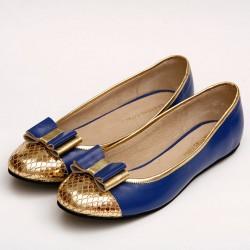 Chatita de cuero azul y dorado